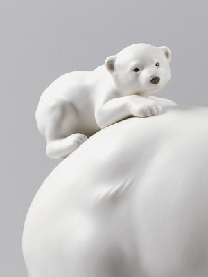 Lladro  Mummy Bear and Babies Porcelain Figurine