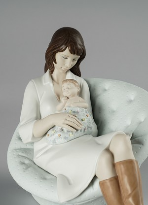 Lladro  Feels Like Heaven Mother Porcelain Figurine