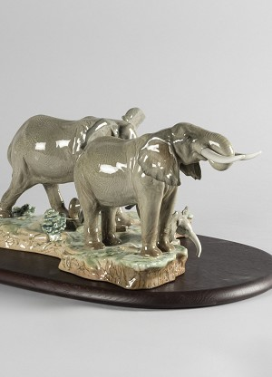 Lladro A Stop Along The Way ElephantsPorcelain Figurine