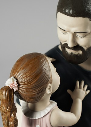 Lladro In Daddy's ArmsPorcelain Figurine