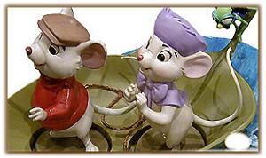 WDCC Disney ClassicsThe Rescuers Evinrude Base