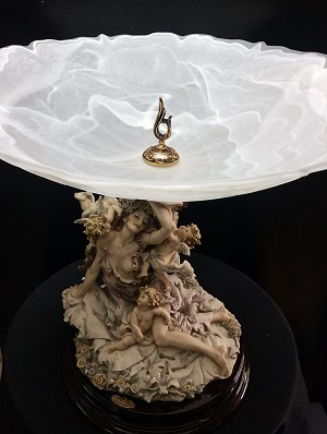 Giuseppe Armani Girl With Cherubs Table Centerpiece