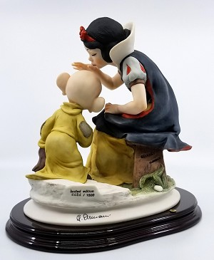 Giuseppe Armani  Snow White Kissing Dopey Artist Signed