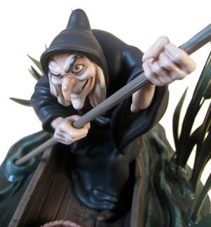 WDCC Disney Classics Snow White Witch Poisonous Plot