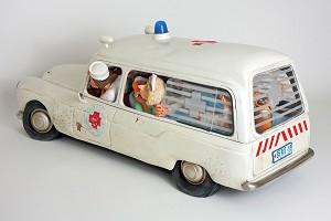 Guillermo Forchino  The Ambulance 1/2 Scale