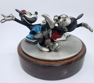 WDCC Disney Classics Mickey and Minnie Jitterbugging Pewter Sculpture