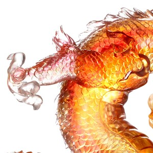 Liuli Crystal Leading the Way, the Dragon from the East