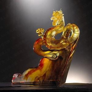 Liuli Crystal Dragon of Great Ambition - Climbing Toward the Skies