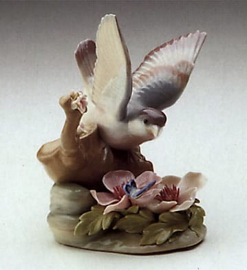 Lladro Fluttering Nightingale Porcelain Figurine
