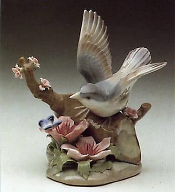 LladroBird and ButterflyPorcelain Figurine
