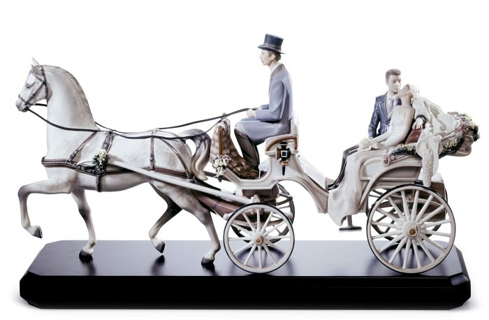Lladro Bridal Carriage Porcelain Figurine