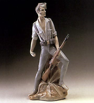 LladroLegionaryPorcelain Figurine