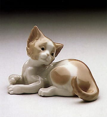 Lladro Surprised Cat Porcelain Figurine