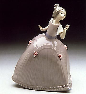 Lladro Girl in Pink Dress