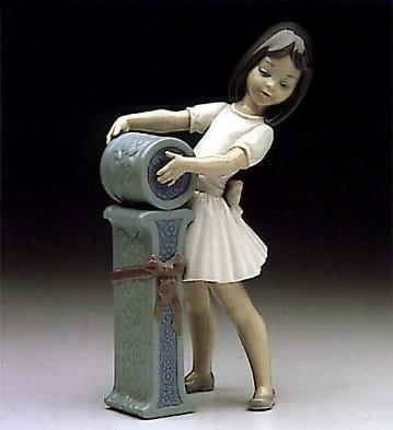 LladroSchoolgirl IPorcelain Figurine