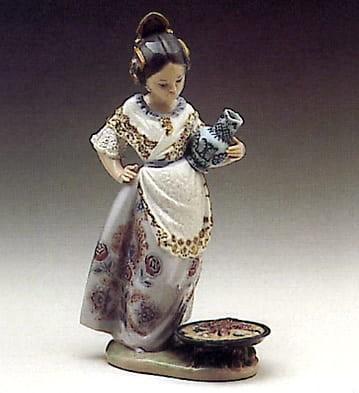 LladroMaking PaellaPorcelain Figurine