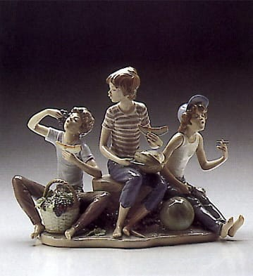 LladroSweet HarvestPorcelain Figurine