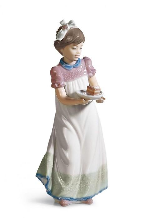 LladroHAPPY BIRTHDAYPorcelain Figurine