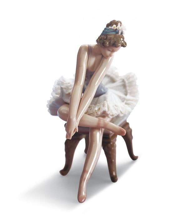 LladroOpening Night Girl BalletPorcelain Figurine