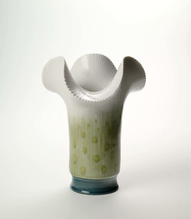 LladroClover Vase - GreenPorcelain Figurine