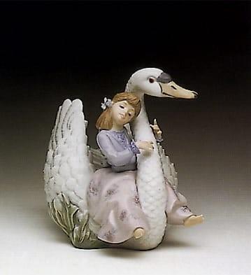 LladroSwan SongPorcelain Figurine