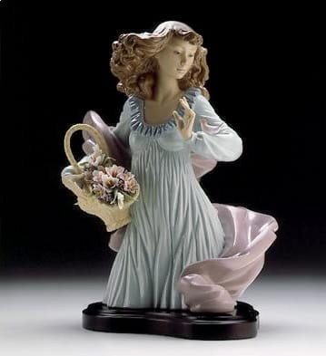 Lladro Nature's Beauty (b) Porcelain Figurine