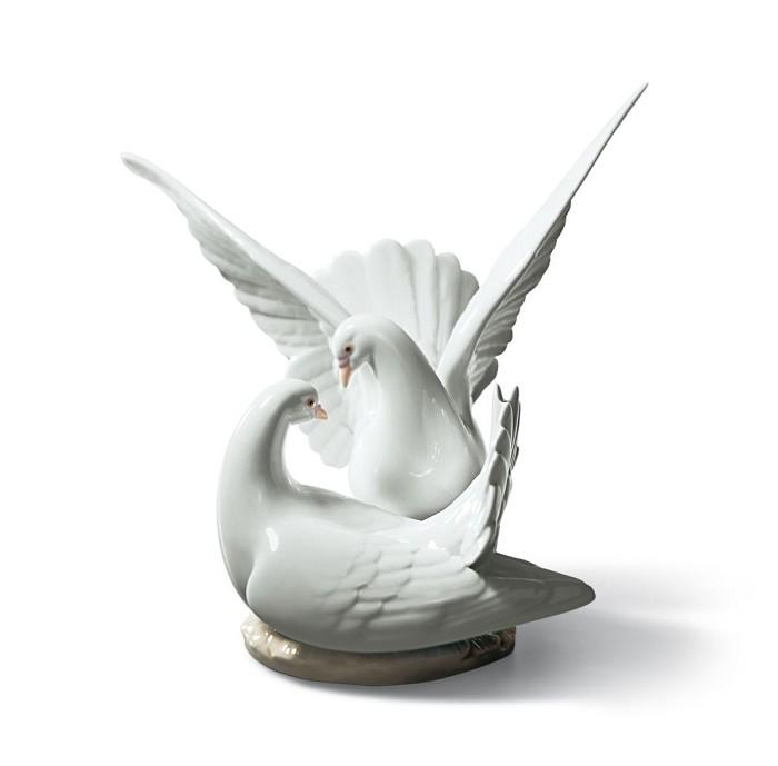 LladroLove NestPorcelain Figurine