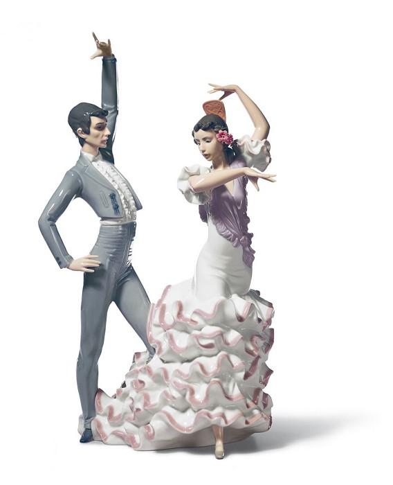 LladroA Passionate DancePorcelain Figurine