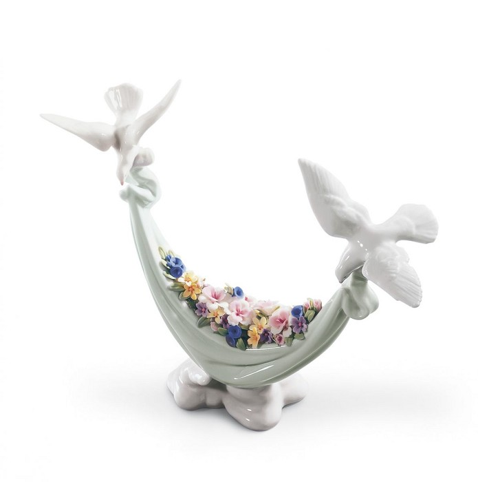 Lladro Petals Of Peace Porcelain Figurine
