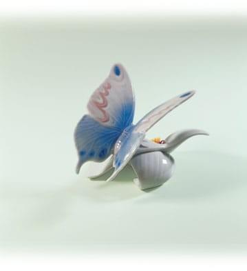 LladroMorning CalmPorcelain Figurine
