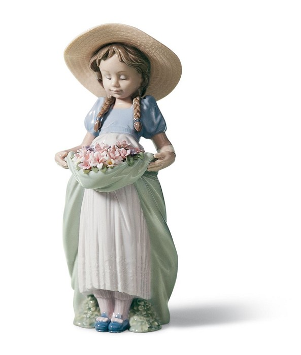 Lladro BOUNTIFUL BLOSSOMS Porcelain Figurine