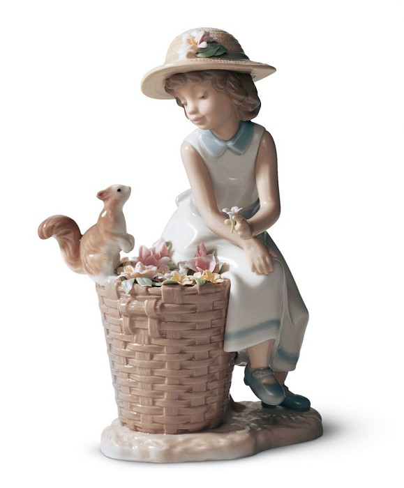 Lladro HELLO, LITTLE SQUIRREL Porcelain Figurine