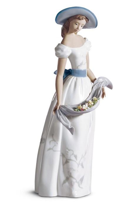 LladroFragrancs & ColorsPorcelain Figurine