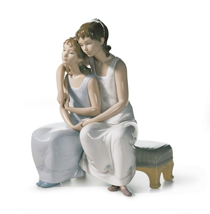 Lladro MY SISTER, MY FRIEND Porcelain Figurine