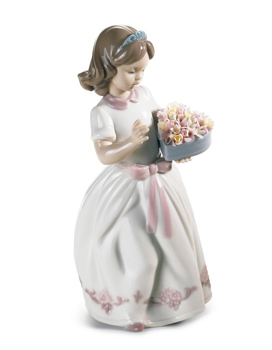 Lladro FOR A SPECIAL SOMEONE Porcelain Figurine