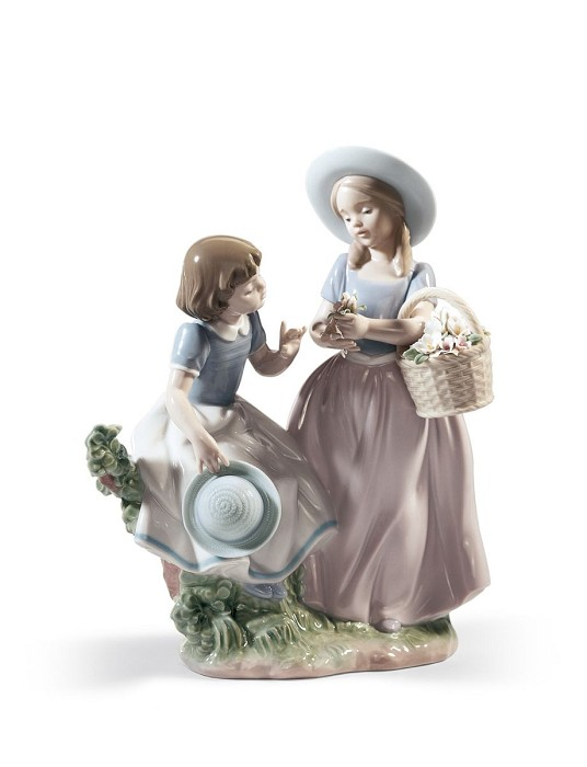 Lladro GIRLFRIENDS