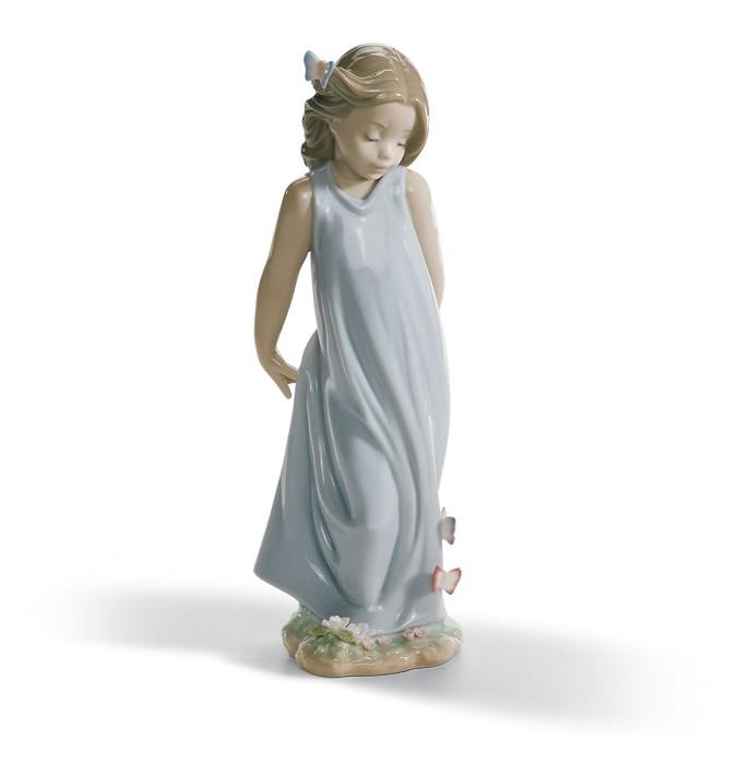 LladroFRIEND OF THE BUTTERFLIESPorcelain Figurine