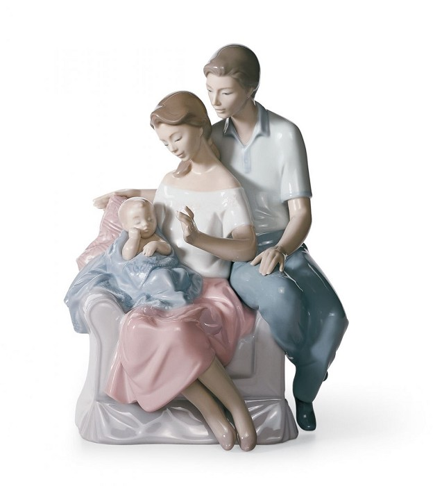 Lladro A Circle of Love Porcelain Figurine