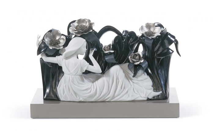 LladroAIR NYMPHPorcelain Figurine