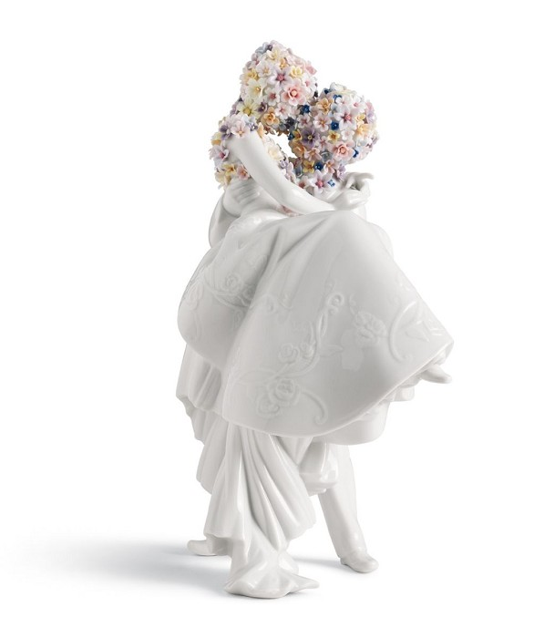 LladroLove IIPorcelain Figurine