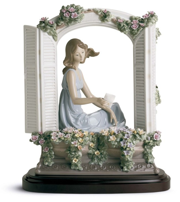 LladroTHINKING OF LOVEPorcelain Figurine