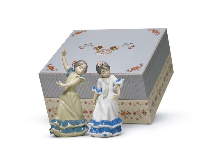 LladroSet Spring Fair in SevillaPorcelain Figurine