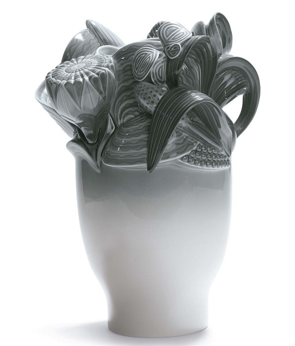 Lladro Naturofantastic - Small Vase (Grey)