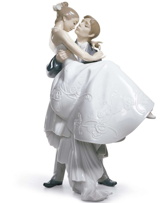 Lladro The Happiest Day Couple Porcelain Figurine