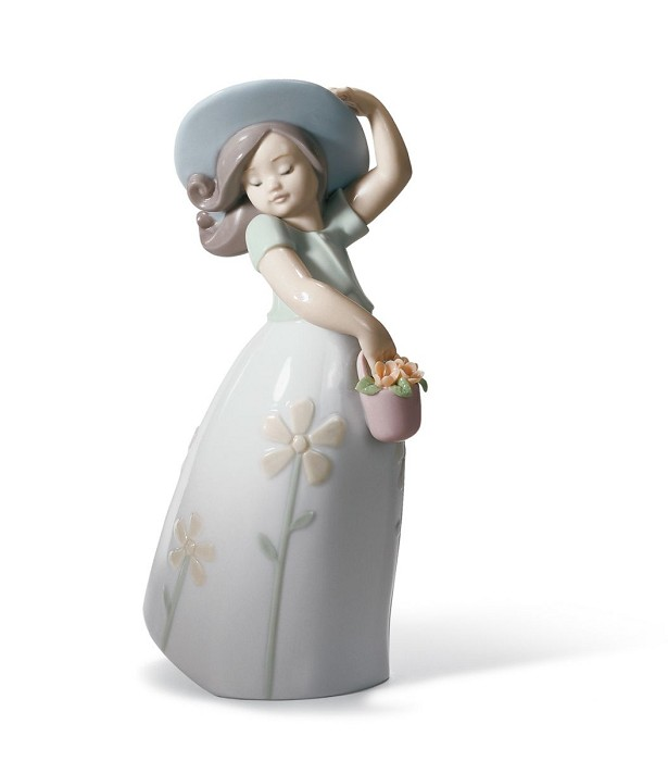 LladroLITTLE DAISYPorcelain Figurine