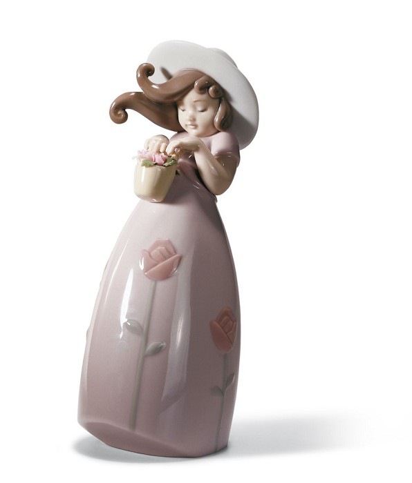 LladroLITTLE ROSEPorcelain Figurine
