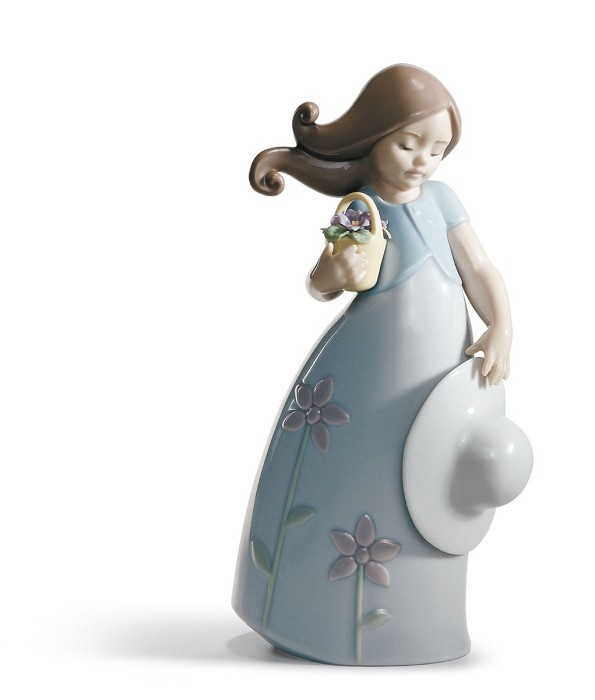 Lladro LITTLE VIOLET Porcelain Figurine