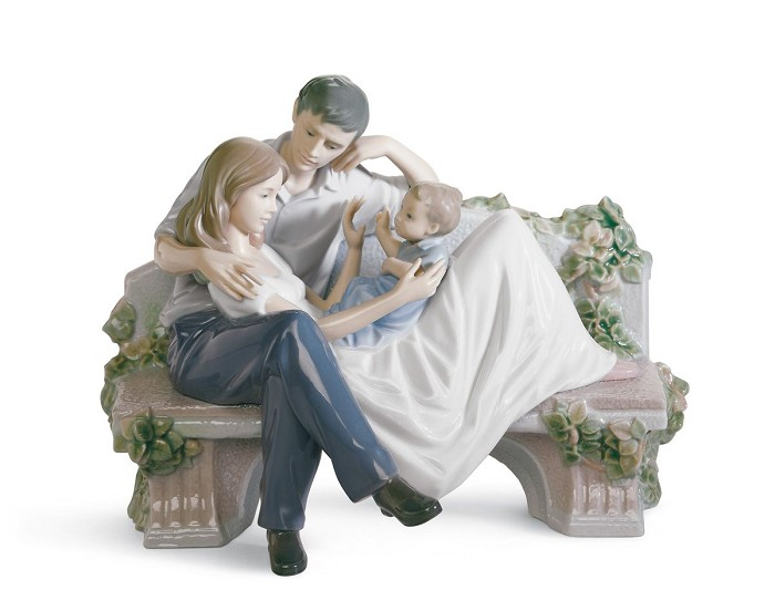 Lladro A Priceless Moment Porcelain Figurine