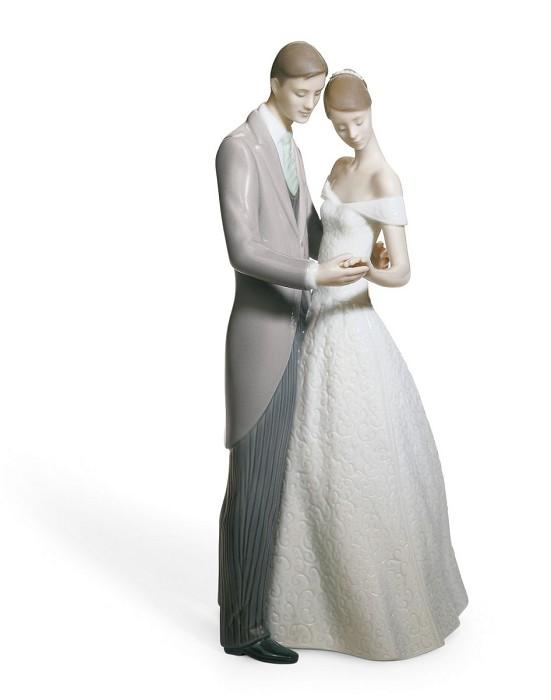 LladroTogether Forever CouplePorcelain Figurine