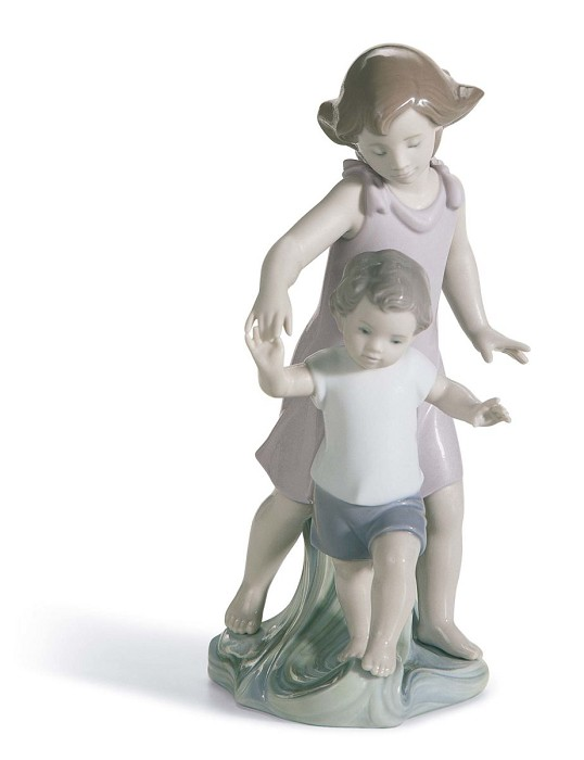 Lladro Let Me Help You Porcelain Figurine